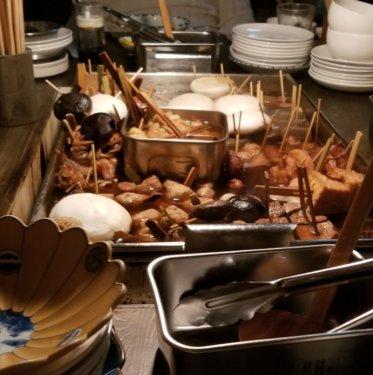 恵比寿の東京おでんラブストーリーのテーブルの様子