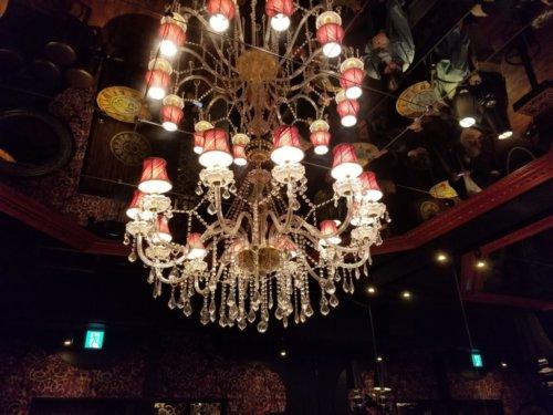 パブリックスタンド梅田阪急東通り店内観2階